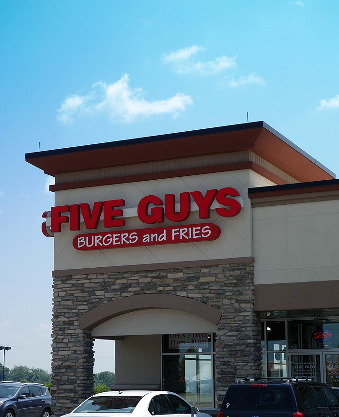 Five Guys USA Exterior
