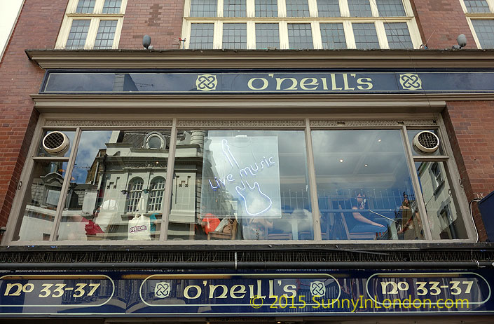irish-pubs-in-london-piccadilly-circus-pub-crawl-oneills-soho-wardour-street