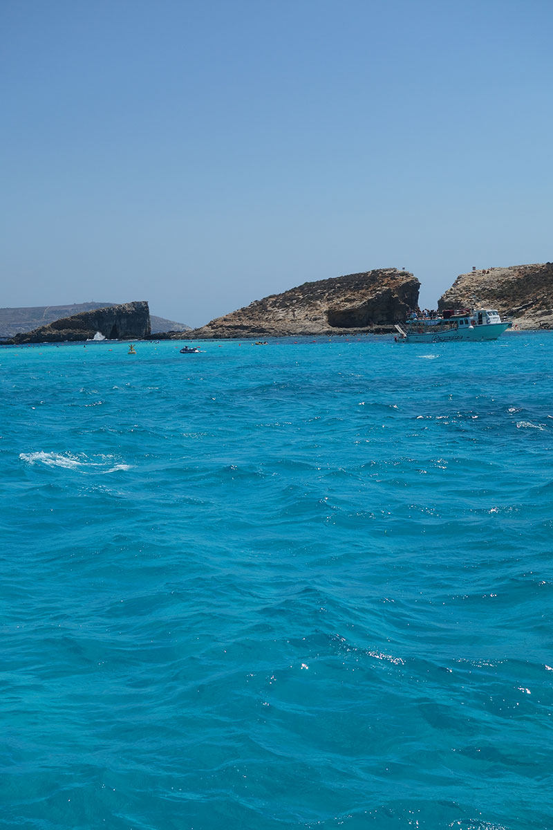 visiting-blue-lagoon-malta-gozo-comino-advice