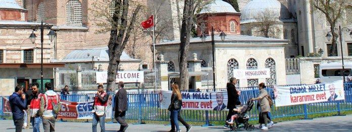 Evet banners in Sultanahmet