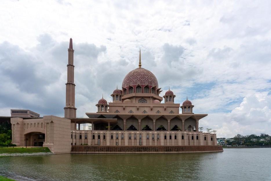 putrajaya sehenswürdigkeiten pinke moschee
