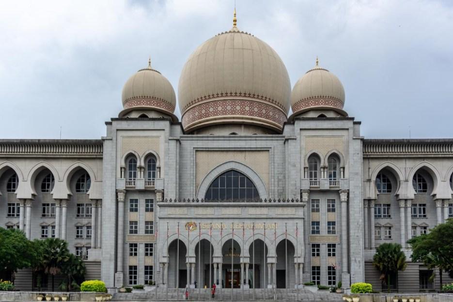 putrajaya sehenswürdigkeiten palace of justice