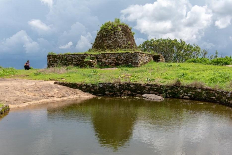 stupa yapahuwa sri lanka