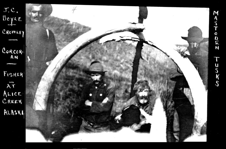 Miners with mastodon bones, on Alice Creek, Alaska, 1907--though this is not Lohbrunner's group or find.
