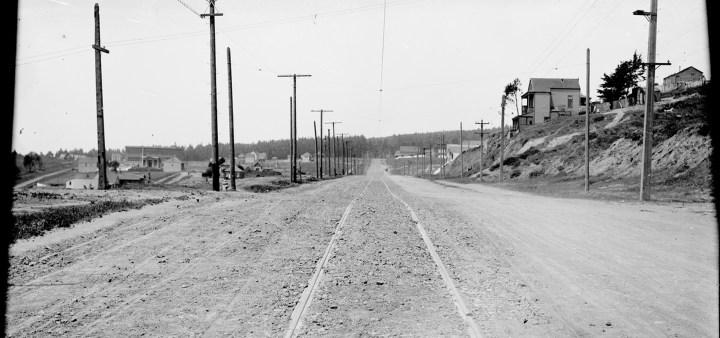 Looking westward on Sunnyside Avenue, at Detroit Street   May 20, 1909. Image courtesy SFMTA. SFMTA.com/photoshelter/