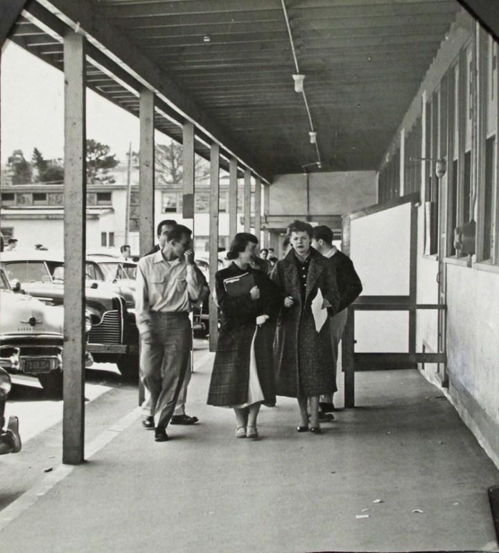 1954Apr15-Students-walking-West-Campus-sm_AAD-7718