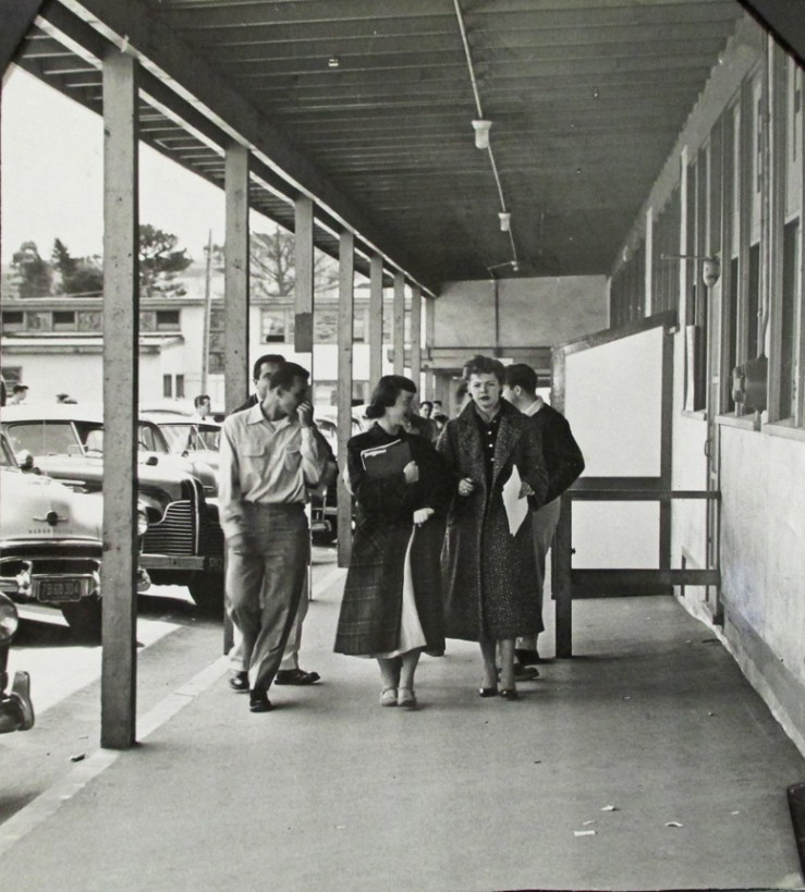 1954Apr15-Students-walking-West-Campus-sm_AAD-7718