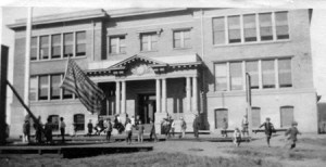 X1910s-sunnyside-school