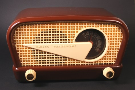 1948 Philco radio. TubeRadioland.com.