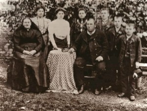 1908c. Frances Anzengruber (at table) in Weibern Austria, just before leaving for the US.