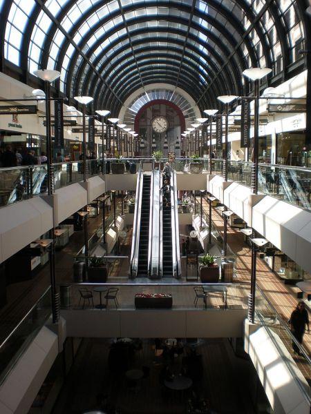 Crocker Galleria, San Francisco. Wikimedia.org.
