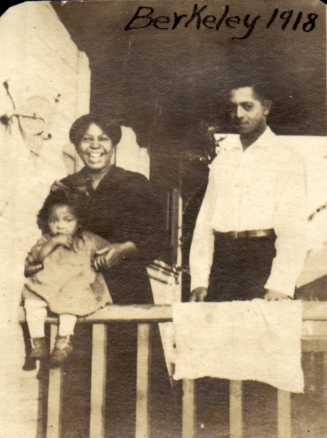 1918. Charlie Reid with his mother and baby sister Virginia, Berkeley. Courtesy Charles Reid/Ivy Reid Collection.
