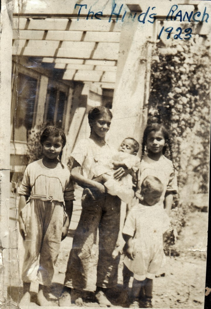 1923. The Hinds Ranch, Farmersville. Left to right: Marian Hinds, Frances Hinds, Donald Reid, Eleanor Hinds, and Bertha Reid in front. Courtesy Charles Reid/Ivy Reid Collection.