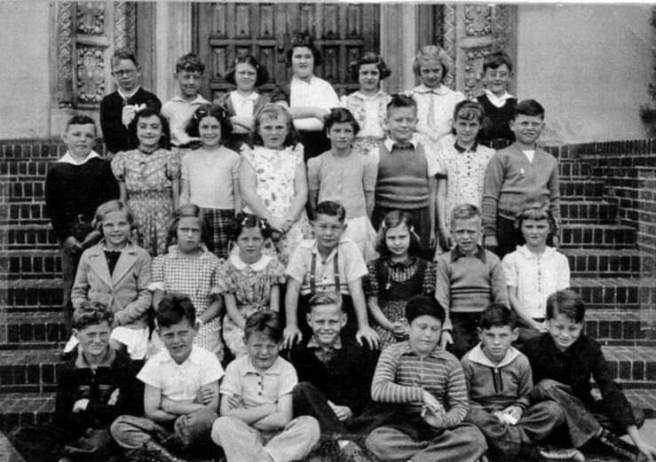 Third grade, Sunnyside School, 1939. Courtesy Bill Wilson.
