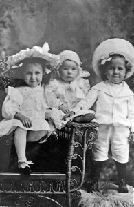 The first three Chipps children, Audrey, Jack and Robert Errol, about 1909. Ancestry.com