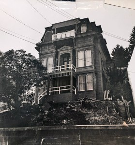 The Poole-Bell House, 1956c. Courtesy Diane LoPresti Christensen. SunnysideHistory.org