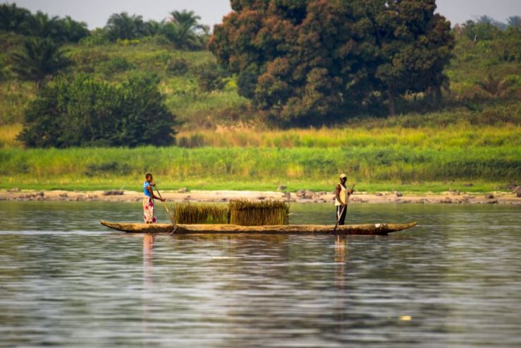 Community members fishing along the Congo_Photo by International Rivers