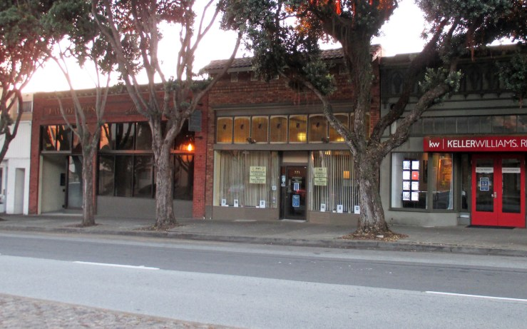 2020. 771 Monterey Blvd (center). This has been a office-type business since at least the early 2000s. Photo: Amy O'Hair