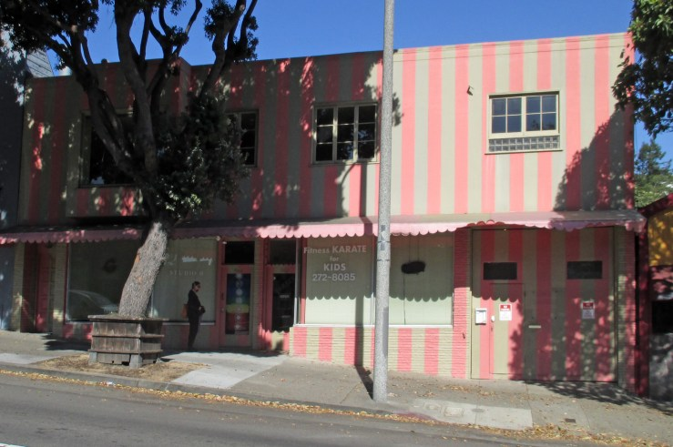 2020. 562-564 Monterey Blvd. DSG Dance Studio (left) and Vega Kenpo Karate Studio. Since late 1970s. Photo: Amy O'Hair