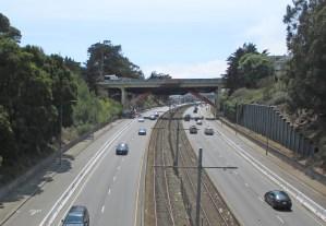 2021. Looking south from Highland Bridge toward Richland Bridge, in Bernal Cut, San Francisco. Photo: Amy O'Hair SunnysideHistory.org