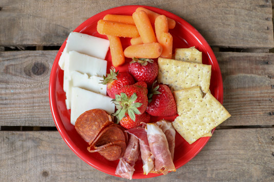 on-the-go summertime snacks - cheese, meat, fruit and crackers