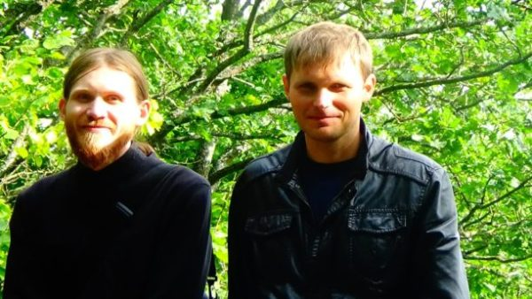 Константин Полежаев, слева