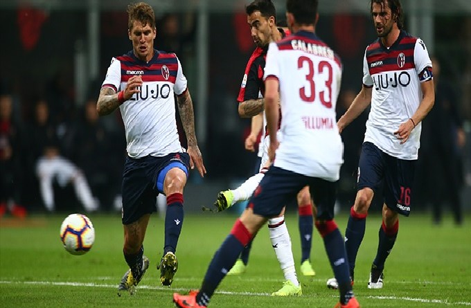 Watch Bologna vs AC Milan live streaming