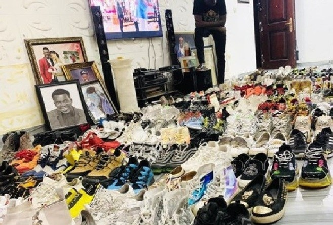 Akpororo exposes his shoe collection on IG (Photo)