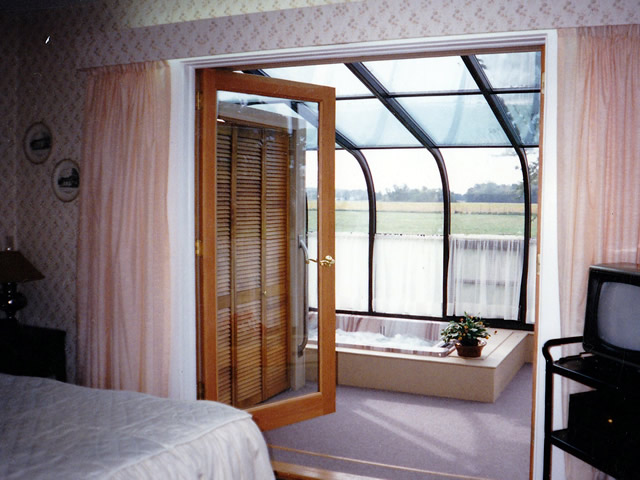 Four Seasons Sunrooms  of Northwest Indiana  Spa and
