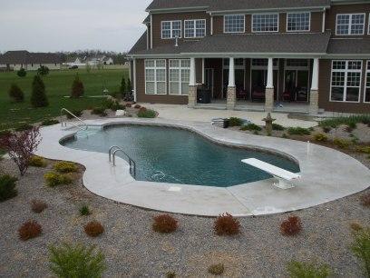Mountain Lake pool in Pittsburg, KS