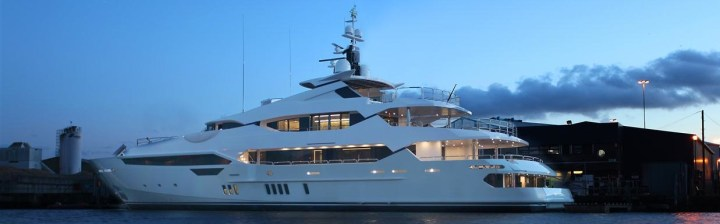 Sunseeker 155 Yacht touches water for first time at shipyard
