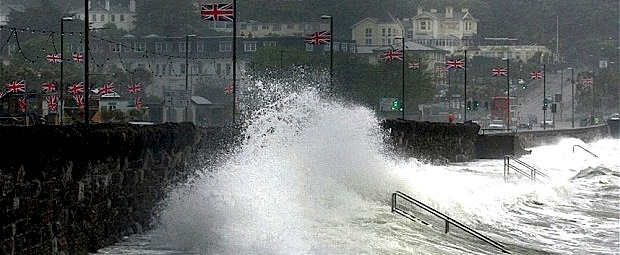 Sunseeker Torquay armed with plenty of fenders as weather takes toll in Devon!