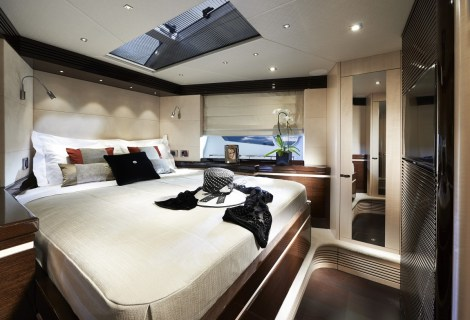 VIP Stateroom: Sunseeker 80 Sport Yacht
