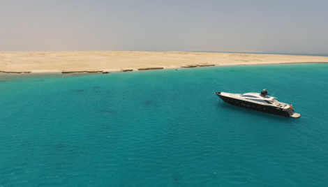 The Red Sea in El Gouna provided a stunning location for the filming