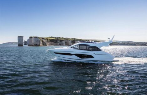 The Sunseeker Manhattan 52 has received excellent reviews from Motor Boat and Yachting Magazine