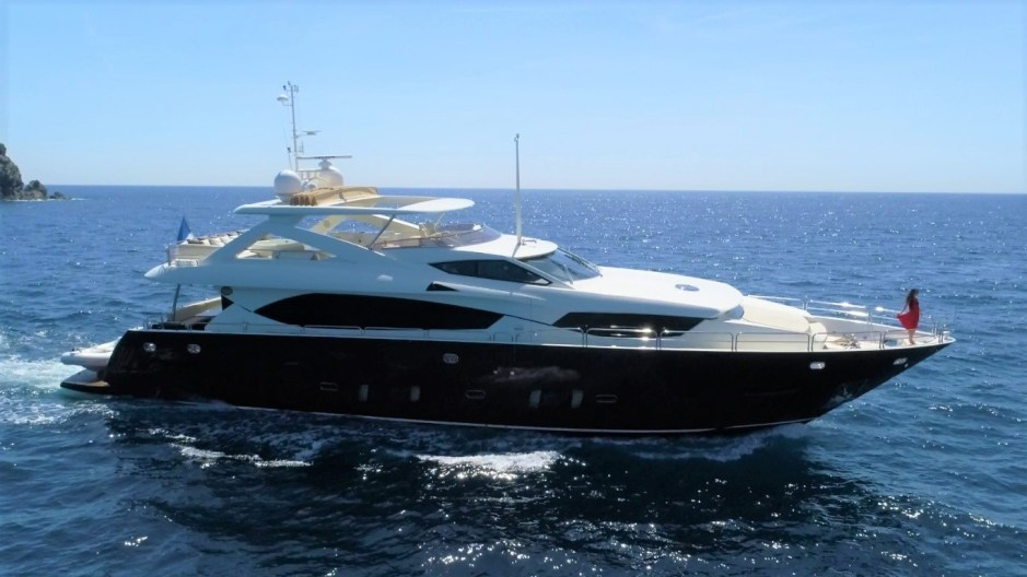 BROKERAGE: Sunseeker France are proud to present to you the lifestyle video of their Sunseeker 30M Yacht listing 'SIMPLE PLEASURE'