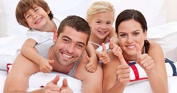 Happy Family Giving Thumbs - 600 x 315
