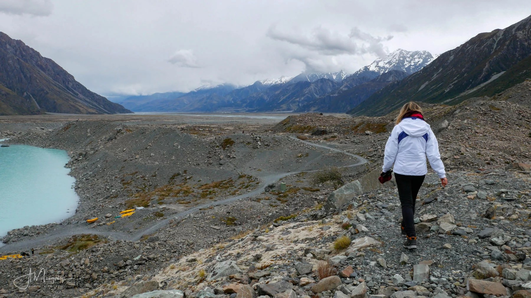 Hiking the Tasman Lake in Mount Cook