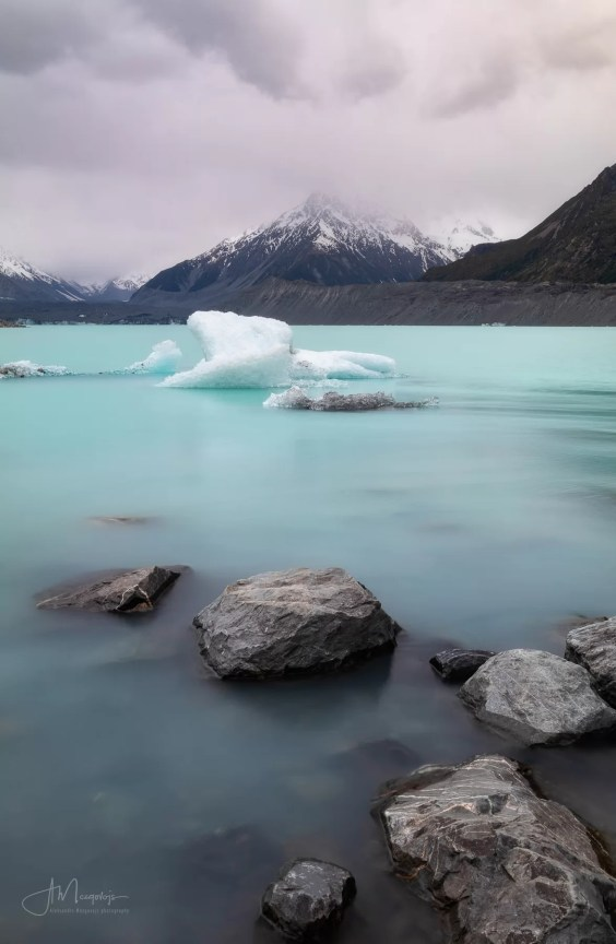 Tasman Lake is perfect for landscape photography, especially at sunrise