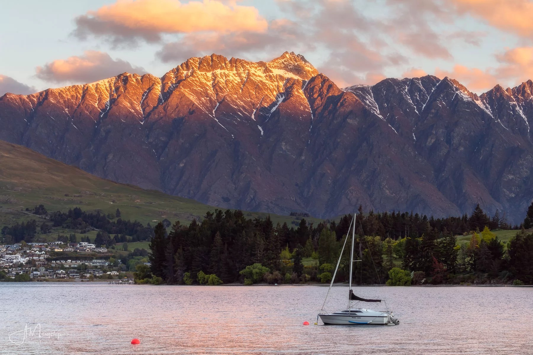 Queenstown Gardens is one of the best landscape photography locations in Queenstown