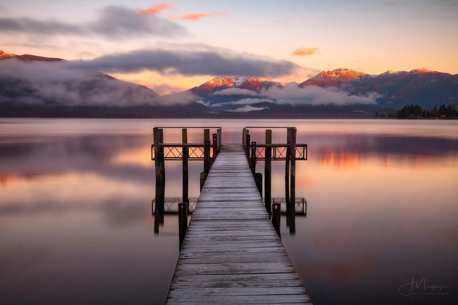 Sunrise at Te Anau lake, New Zealand