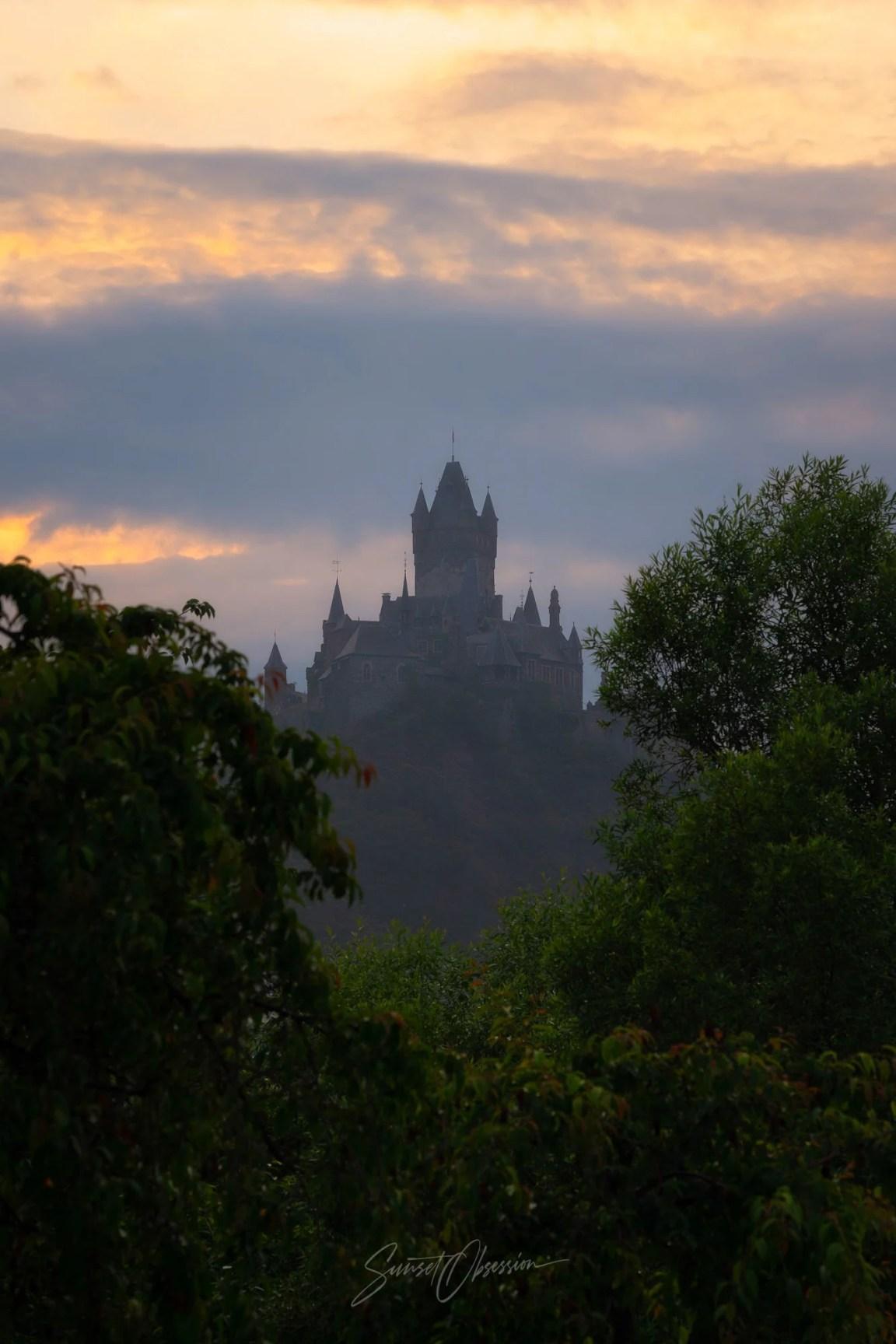 Замок Кохем на закате, Германия
