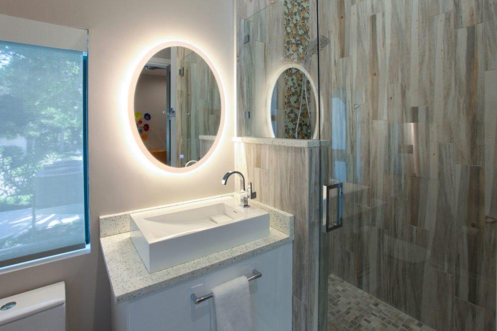 30. INT BathGuestRm #9349ap L_2000px