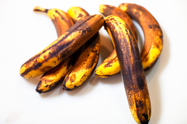 Ripe bananas are the key to banana bread. Always use very ripe dark colored bananas to get the intense banana flavor for your banana bread.