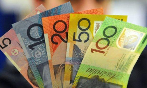 Money transfer on working holiday visa Australia.