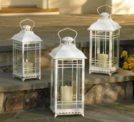 White candle lanterns for Diner en Blanc