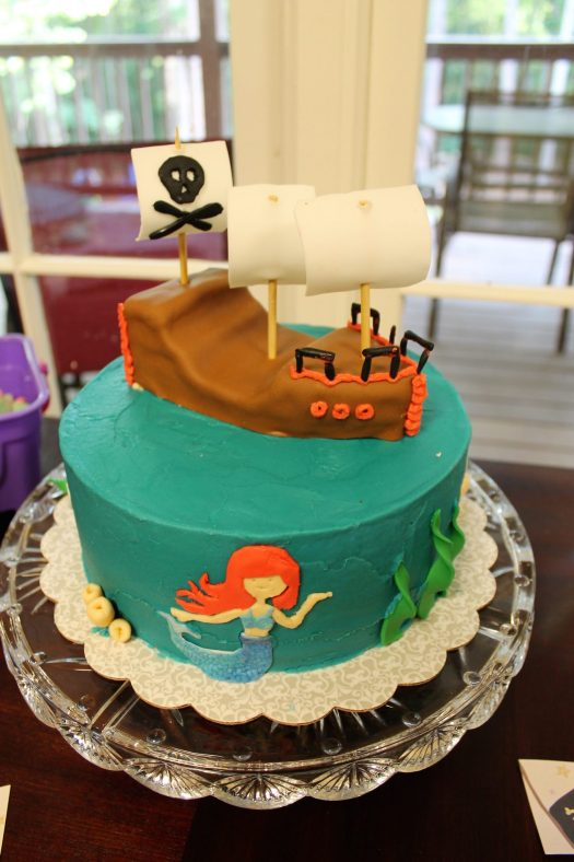 Mermaid Pirate Birthday Party | sunshineandholly.com