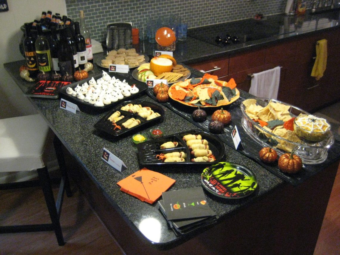 Our Halloween Traditions and a Spooky Halloween Lasagna | sunshineandholly.com | halloween party