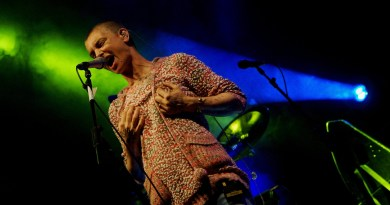 sinead oconnor Facebook help video