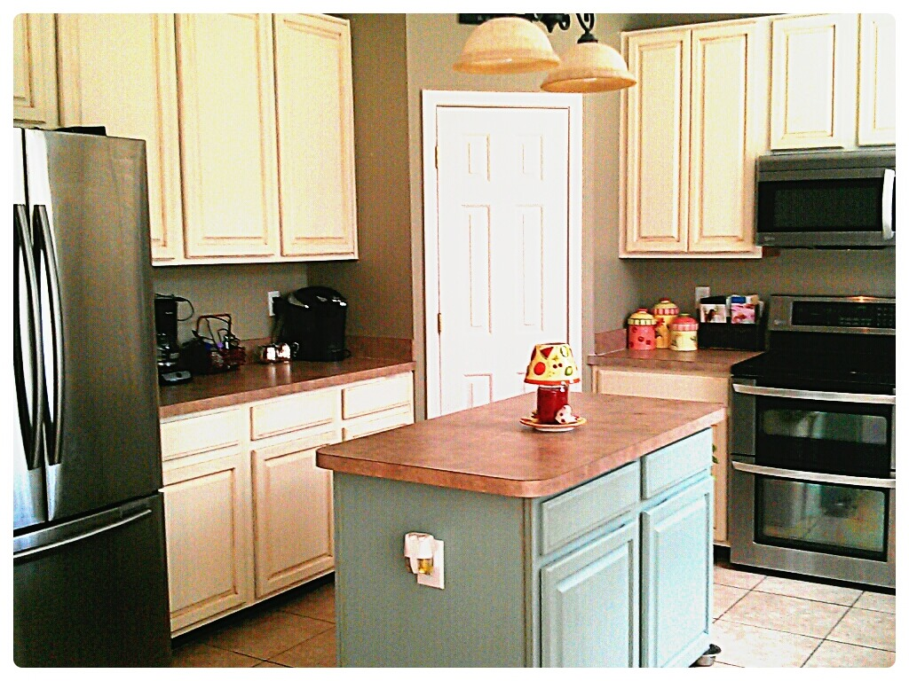 Kitchen Cabinet Makeover With Annie Sloan Chalk Paint